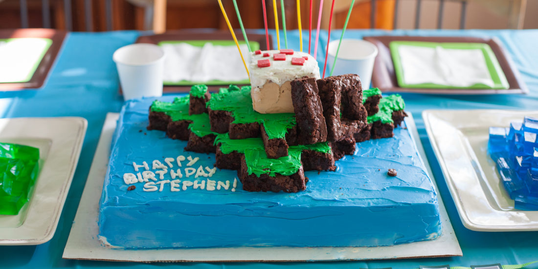 How To Throw A Minecraft Themed Birthday Party Diy Margarette